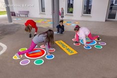 Physical Activities For Kids, Babysitting Activities, Pre K Activities, Fun Games For Kids, Playground Painting, Playground Games, Preschool Playground, Kindergarten Design, Kindergarten Games