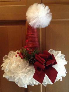 Santa Wreath, Christmas Mesh Wreaths, Christmas Door Decorations, Diy Wreath, Christmas Centerpieces, Wreath Ideas, Etsy Christmas, Christmas Hat, Handmade Christmas