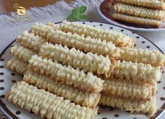 Preparare biscuiti spritati - etapa 9 Romanian Desserts, Romanian Food, Sweets Recipes, Cake Recipes, Cooking Recipes, Good Food, Yummy Food, Delicious Deserts, Fancy Desserts