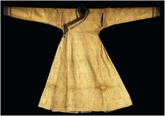 A Mongol cloth of gold, silk and metal thread robe, Central Asia late 13th or 14th century, Yuan Dynasty.