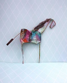 butterfield horses--i think 1st grade could totally do this--just need bendy enough wire--could be used for oler grades too--gotta try this!!!!!!!!