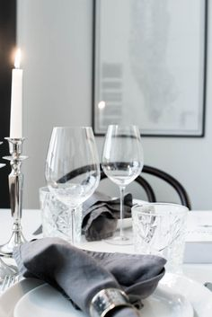 table setting with Dean & DeLuca Black And White Interior, Apartment Chic, Cafe Tables, Party Entertainment, City Style, Life Is Beautiful, Home Deco, Interior Inspiration, Tablescapes