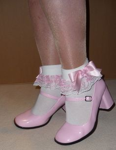 Frilly socks and pink Mary Janes I want them shoes in a size 10 any body know where I can get a pair of them? Sexy Socks, Socks And Heels, Cute Socks, Ankle Socks, Pretty Shoes, Beautiful Shoes, Boys New Fashion, Frilly Socks, Lolita Shoes
