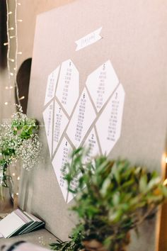 Heart-shaped seating plan using paper cutouts. Wedding seating chart ideas and inspiration. {Inspiration Mariage ♥ Wedding} Plan de table origami Plus Reception Seating Chart, Seating Plan Wedding, Table Wedding, Seating Charts, Wedding Sitting Plan, Seating Plans, Cafe Seating, Ceremony Seating, Wedding Tips