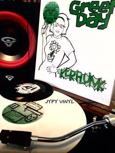 "Green Day – Kerplunk! (1992)  **White Vinyl + 7'' Promo**Reissue** **Import**Made in Netherlands**  Epitaph – 6864-1 Vinyl, LP, Reissue, Album, White  Vinyl, 7"", 45 RPM, EP, Reissue, Promo  Netherlands-2008 Roc-Punk"