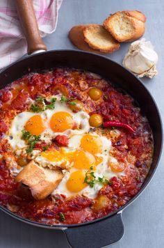 Eggs in Tomato Sauce Skillet Recipe