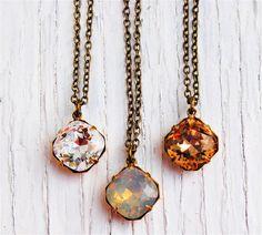 Diamant clair opale gris collier petit pendentif collier demoiselle d'honneur collier demoiselle d'honneur de Tan cristal Swarovski pendentif collier Mashugana