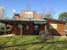 The Hocha Mocha is a one stop shop to satisfy your caffeine cravings. Located across from the Beavers Bend State Park entrance in Broken Bow, The Hocha Mocha serves a wide variety of coffee and tea, as well as pastries, cupcakes, candy and Dippin' Dots ice cream. Tea, hot chocolate, smoothies and sugar-free selections are also available. Make sure to pick up a coffee mug, stuffed animal or other souvenir during your visit.
