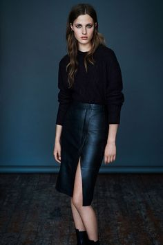 Black jumper and leather pencil skirt Skirt Outfits, Fall Outfits, Casual Outfits, Work Outfits, Allsaints Style, Allsaints Fashion, Pencil Skirt Work, Work Fashion, Leather