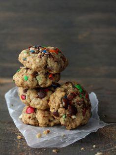 Pretzel M&M Oatmeal Cookies Cookie Desserts, Just Desserts, Cookie Recipes, Delicious Desserts, Dessert Recipes, Yummy Food, Fun Food, Tasty, Fudge