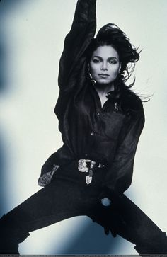 Holly shit, she's making me question my sexuality y'all. JANET JACKSON, don't do that! She be looking like her brother, what the fuck? Michael Jackson, Jo Jackson, Jackson Music, Jackson Family, Lisa Marie Presley, Paris Jackson, Elvis Presley, Janet Jackson Unbreakable, Janet Jackson Rhythm Nation