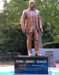Estátua de Tupac
