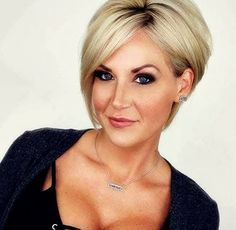Short blonde hair❤️ - elke Rothfuss - Make-upHot Short Asymmetrical Bob Hairstyles Will Trend asymmetrical bob asymmetrical cut, asymmetrical haircut, bob haircut, latest hairstyle for hairstyleLong pixie haircuts are a beautiful way to wear short hai Short Hairstyles For Thick Hair, Bob Hairstyles 2018, Short Pixie Haircuts, Short Hair With Layers, Layered Haircuts, Pixie Hairstyles, Short Hair Cuts, Short Hair Styles, Bob Haircuts