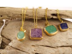 HAPPY STONE CHAIN. Gold-plated silver chain and Happy Stones semiprecious gemstone. Unique design insipirated in the beauty and magic of nature. #piabarcelona #happystones