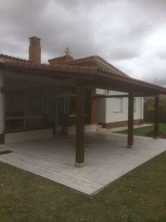Finalizado el porche de madera a un agua de Valencia de Don Juan.  Toda la info de esta obra: http://www.edanpergolas.com/nuestros-trabajos/finalizado-el-porche-de-madera-de-valencia-de-don-juan-37.html
