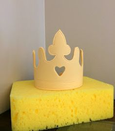 Sara Elizabeth - Custom Cakes  Gourmet Sweets: Princess Ombre Ruffle Cake: A Fondant Crown Tutorial and Template
