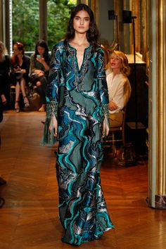 Alberta Ferretti Limited Edition Fall 2016 Couture Fashion Show - Blanca Padilla