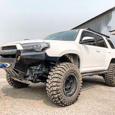 Toyota Girl, Toyota 4x4, Toyota 4runner, Four Runner, Lifted Trucks, Offroad, Dream Cars, Monster Trucks, Wheeling