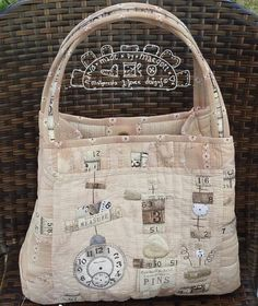 Powder  rose handle bagquilted bag shabby chic von MJJenekdesigns #hand_sewn_bag #hand_appliquéd_bag #quilt #hand_appliqué #malgorzata_joanna_jenek #couture #sewing #patchwork #yarn_dyed