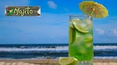healthy summer-drinks to help you get in lots of water Fruit Drinks, Healthy Drinks, Alcoholic Drinks, Beverages, Healthiest Drinks, Yummy Drinks, Healthy Eating, Healthy Recipes, Refreshing Summer Drinks