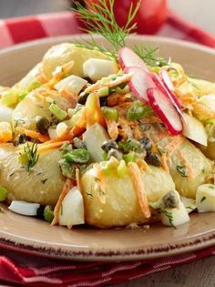 patatosalata me sos-giaourtioy Pureed Food Recipes, Greek Recipes, Veggie Recipes, Appetizer Recipes, Cooking Recipes, Healthy Recipes, Glazed Vegetables, Greek Cooking, Food Garnishes