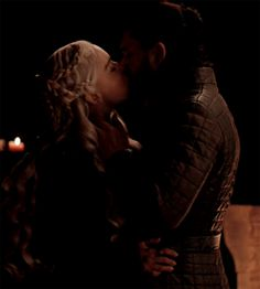 "thatonekimgirl: ""This was a pretty great kiss. Game Of Thrones Books, Game Of Thrones Quotes, I Love Games, Just A Game, Jon E Daenerys, Daenerys Targaryen, Dany And Jon, Kit Harrington, My Champion"