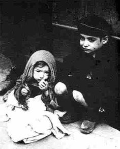 The children in the Warsaw ghetto. The picture is the courtesy of Yad Vashem. Warsaw Ghetto Uprising, Jewish Ghetto, Innocent Child, Jewish History, Poor Children, Weird World, The Victim, Women In History, Childhood
