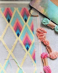 #petitpoint #wynwood #losangeles Motifs Bargello, Broderie Bargello, Bargello Patterns, Bargello Needlepoint, Needlepoint Stitches, Hand Embroidery Stitches, Cross Stitch Embroidery, Embroidery Patterns, Cross Stitching