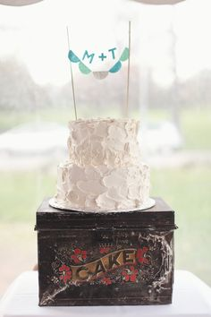 Cute Cake Stand! Photography by lisarigbyphotography.com