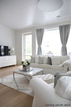 Loving white style: Olohuoneen uusi ilme! Living Room Style, Apartment Room, Home Decor Styles, Home Room Design, Dining Room Style, Living Room Designs, Living Room Grey, Rooms Home Decor, White Living Room Decor