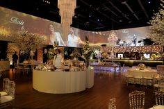 Casamento clássico: Thais & Marcos - Inesquecível Casamento Wedding Reception Decorations, Classic, Classic Wedding Decor, Wedding Things, Reception Decorations, Weddings, Wedding, Future, Derby
