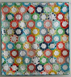 Sarah Fielke Quilt *I really want to try hexagons!!!