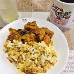 3Café da manhã com puro amor  Ovos mexidos com queijo moranga refogada e café com óleo de côco. Chega mais sexta-feira sua linda  by lowcarbizando.ka