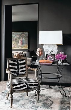 Home tour: preto total, luxuoso e masculino, decorado por Cathy Echols