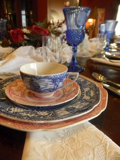 Nancy's Daily Dish: Red and Blue Transferware Tablescape 4th Of July Celebration, 4th Of July Party, Fourth Of July, Blue Willow China, Patriotic Decorations, Chocolate Pots, Independence Day, Tablescapes, Red And White