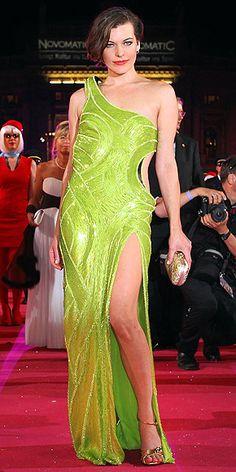 MILLA JOVOVICH photo | Milla Jovovich SOLO ELLA PUEDE LLEVAR ESE VESTIDO DIOSA