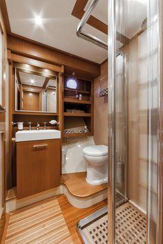 Internal view Mochi Craft - Dolphin 64' Cruiser #yacht #luxury #ferretti #mochi