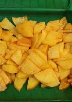 Patatas al pimentón (Lékué) Just Cooking, Cooking Light, Vegetarian Cooking Classes, Cooking Spaghetti Squash, Canapes, Vegan Recipes, Food And Drink, Fruit, Vegetables