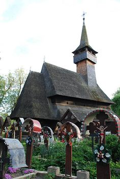Ieud is considered the oldest wooden church in Maramureș, Russia, Old Things, Bird, Outdoor Decor, House, Home Decor, Poems, Decoration Home, Home