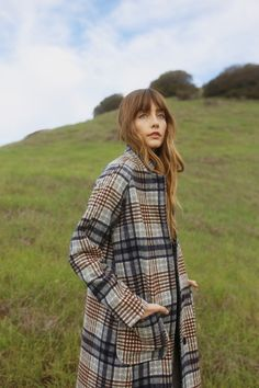 Discover recipes, home ideas, style inspiration and other ideas to try. Fall Outfits, Fashion Outfits, Stylish Outfits, Plaid Fashion, Girly Outfits, Duffle, Plaid Coat, Look Chic, Holiday Dresses