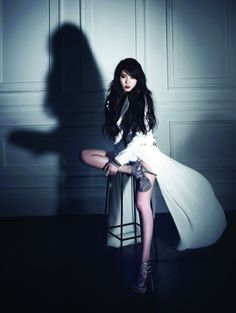 4Minute's Hyuna's Volume up album jacket photo