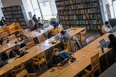 Die Zukunft der Bibliotheken Massachusetts Institute of Technology - Library Land - Technologie Future Library, College Library, Library Architecture, Library Science, Massachusetts Institute Of Technology, Boston, This Or That Questions, Libraries, Prints