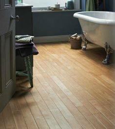 Karndean - Light Canadian Maple Luxury Vinyl Floor in Bathroom