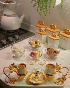 Breakfast Presentation, Coffee Presentation, Food Decoration, Table Decorations, Bedroom False Ceiling Design, Turkish Coffee, Home Office Decor, High Tea, Coffee Time