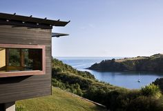 Owhanake Bay House, Waiheke Island, New Zealand by Strachan Group Architects
