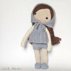 Isabelle Kessedjian: Une nouvelle tenue pour ma poupée au crochet. Sc N°181.