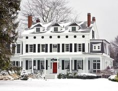 Officially my #dreamhouse White Exterior Houses, White Houses, Exterior Shutters, Farmhouse Shutters, Black Exterior, Exterior Paint, Black Shutters, House Of Turquoise, House Goals
