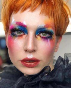 #halloweenmakeup hashtag no Instagram • Fotos e vídeos Uk Makeup, Photo Makeup, Crazy Makeup, Eyeshadow Makeup, Makeup Looks, Halloween Images, Halloween Make Up, Halloween Face Makeup, Carnival Makeup