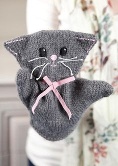 Knitting Pattern for Katie Kitty Puppet - Cat hand puppet knit in the round from the bottom up. This is a quick and simple knit. Designed by browneyedbabs. Puppet Patterns, Knitting Patterns, Crochet Patterns, Doll Patterns, Gato Crochet, Crochet Toys, Knitting For Kids, Baby Knitting, Beginner Knitting