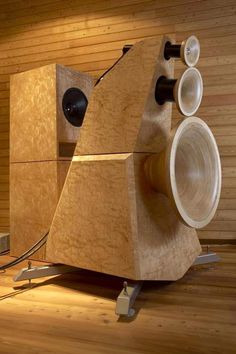 GoodSoundClub - Romy the Cat's Audio Site - German Odeon horns. High End Speakers, High Quality Speakers, High End Audio, Audiophile Speakers, Stereo Amplifier, Hifi Audio, Horn Speakers, Diy Speakers, Stereo Speakers